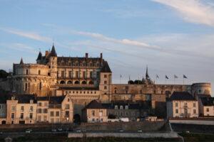 royal-castle-of-amboise-600x400
